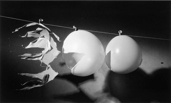 Harold Edgerton, Bullet through Balloons, 1959