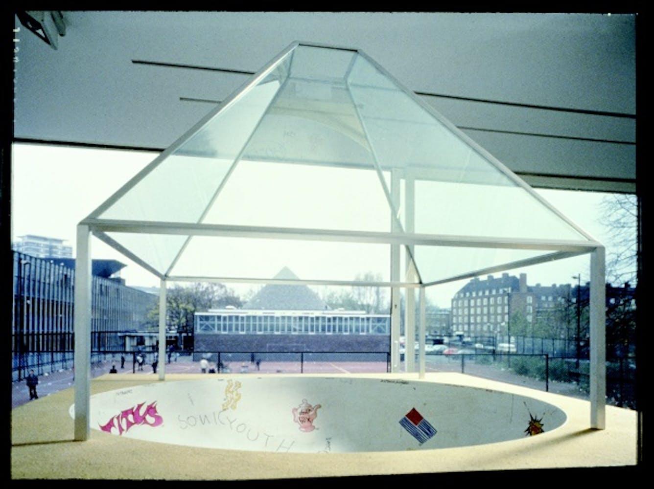 Dan Graham, Skateboard Pavilion, 1989