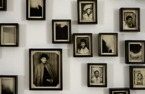 Lorna Simpson, Please remind me of who I am (detail), 2009