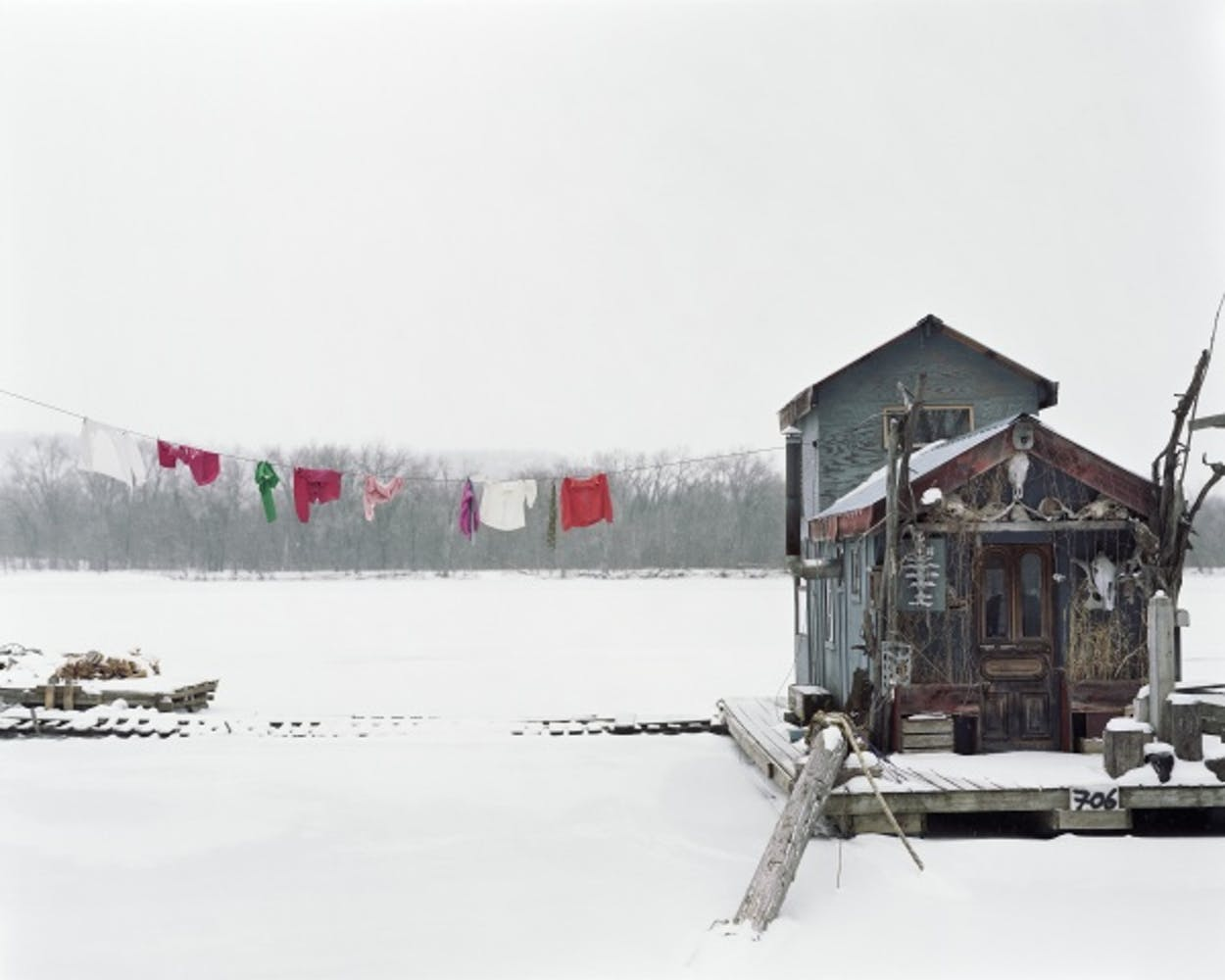 Alec Soth, Peter's Houseboat, Winona, Minnesota, 2002