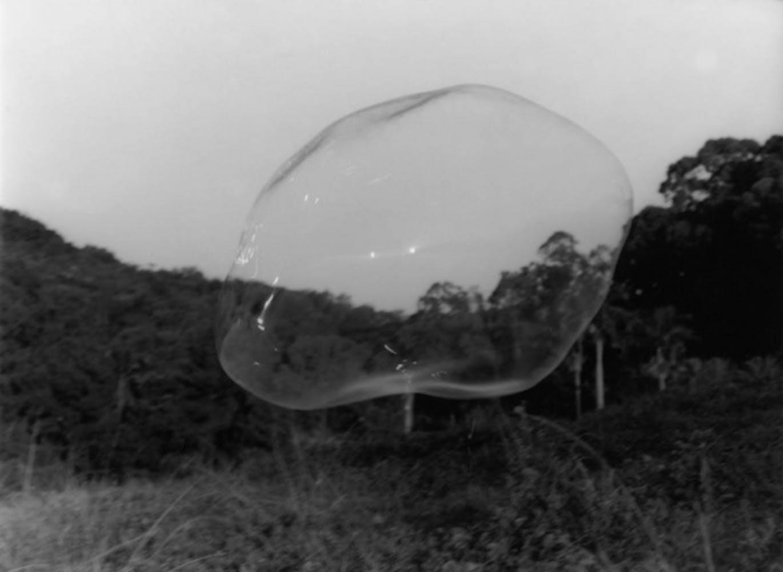 Rivane Neuenschwander, Inventário das Pequenas Mortes (Sopro) [An Inventory of Small Deaths (Blow)], 2000