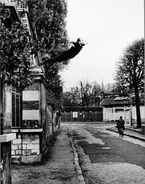 Yves Klein, Obsession de la levitation (Le Saut dans le vide) [Obsession with Levitation (Leap into the Void)], 1960