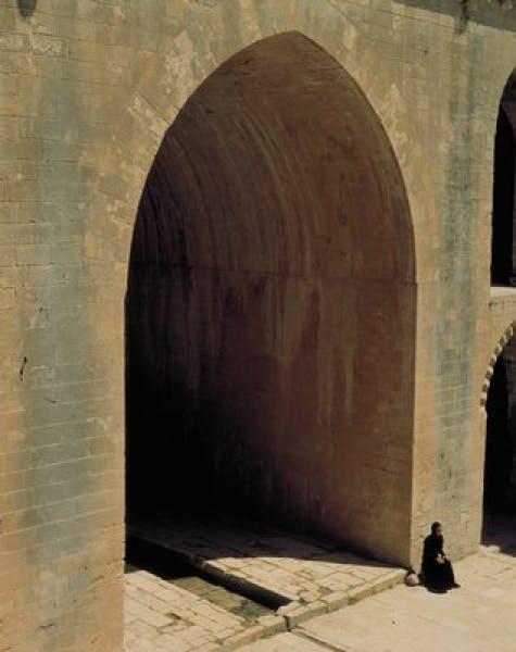 Shirin Neshat, Soliloquy, 1999