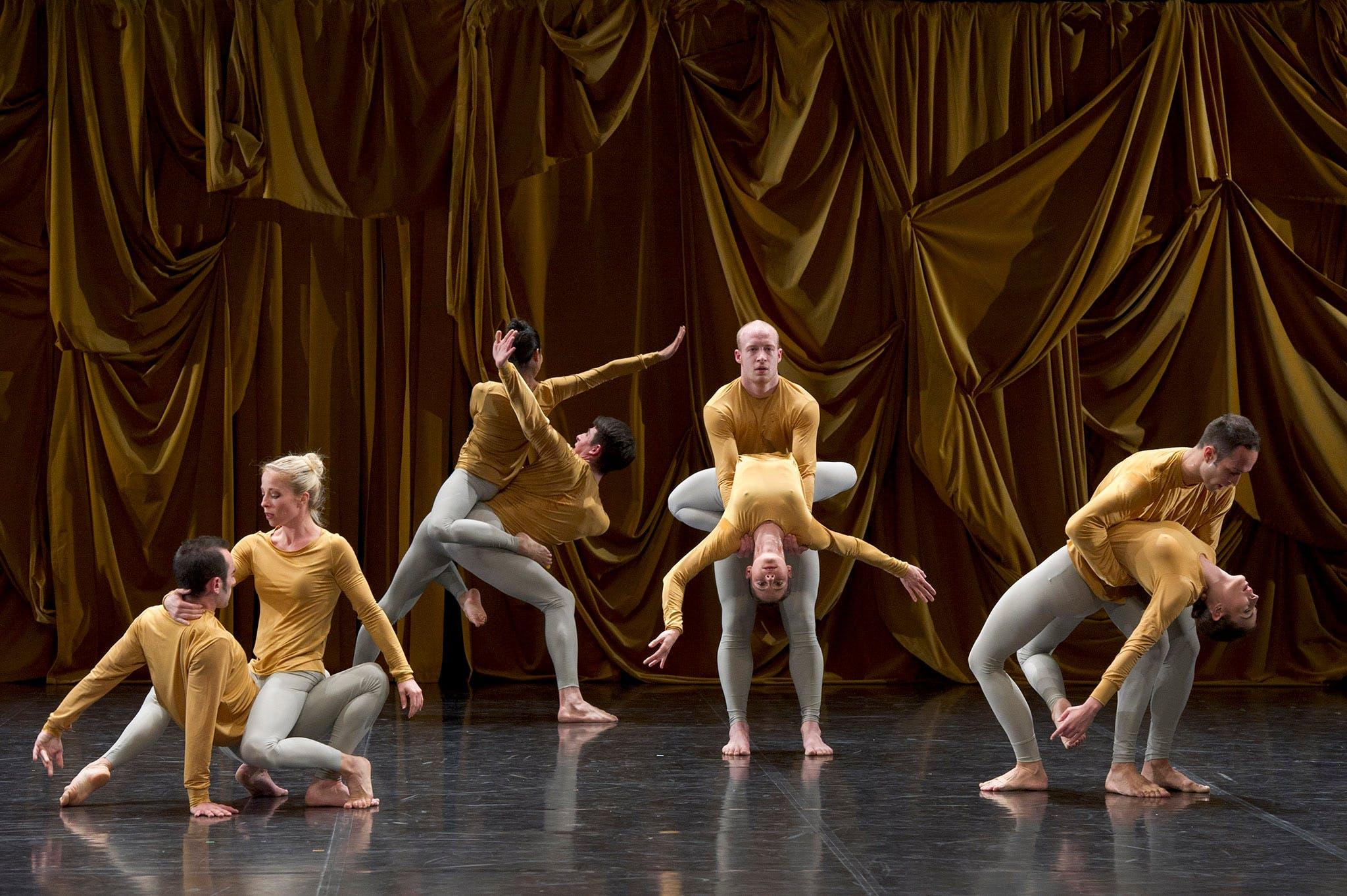 Performance still of Sounddance by Ballet de Lorraine