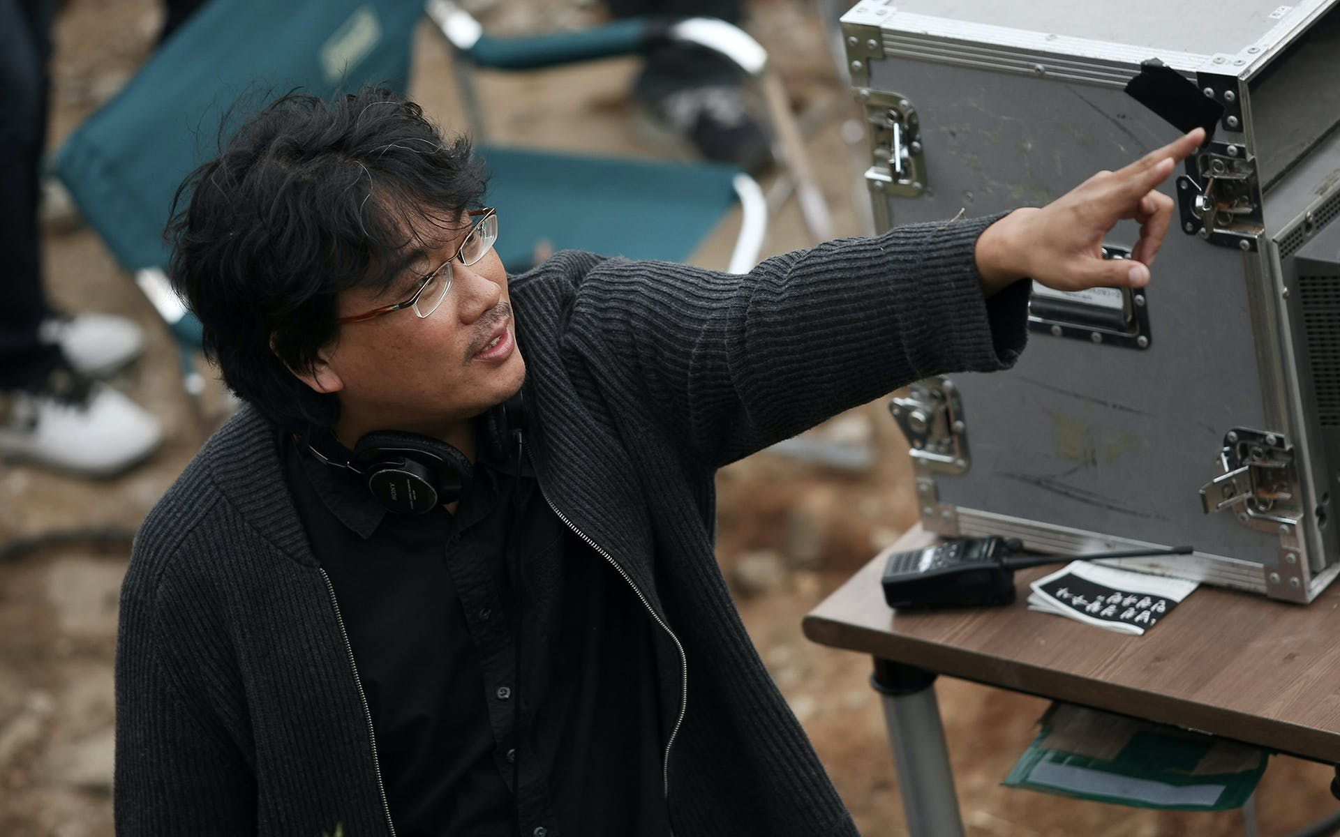 Bonj Joon Ho directing