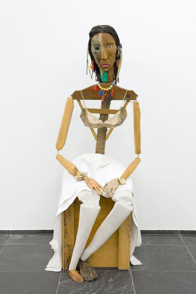 Jimmie Durham, Malinche, 1988-1992 (Stedelijk Museum voor Actuele Kunst (SMAK), Ghent, Belgium. Image ©S.M.A.K. / Dirk Pauwels)