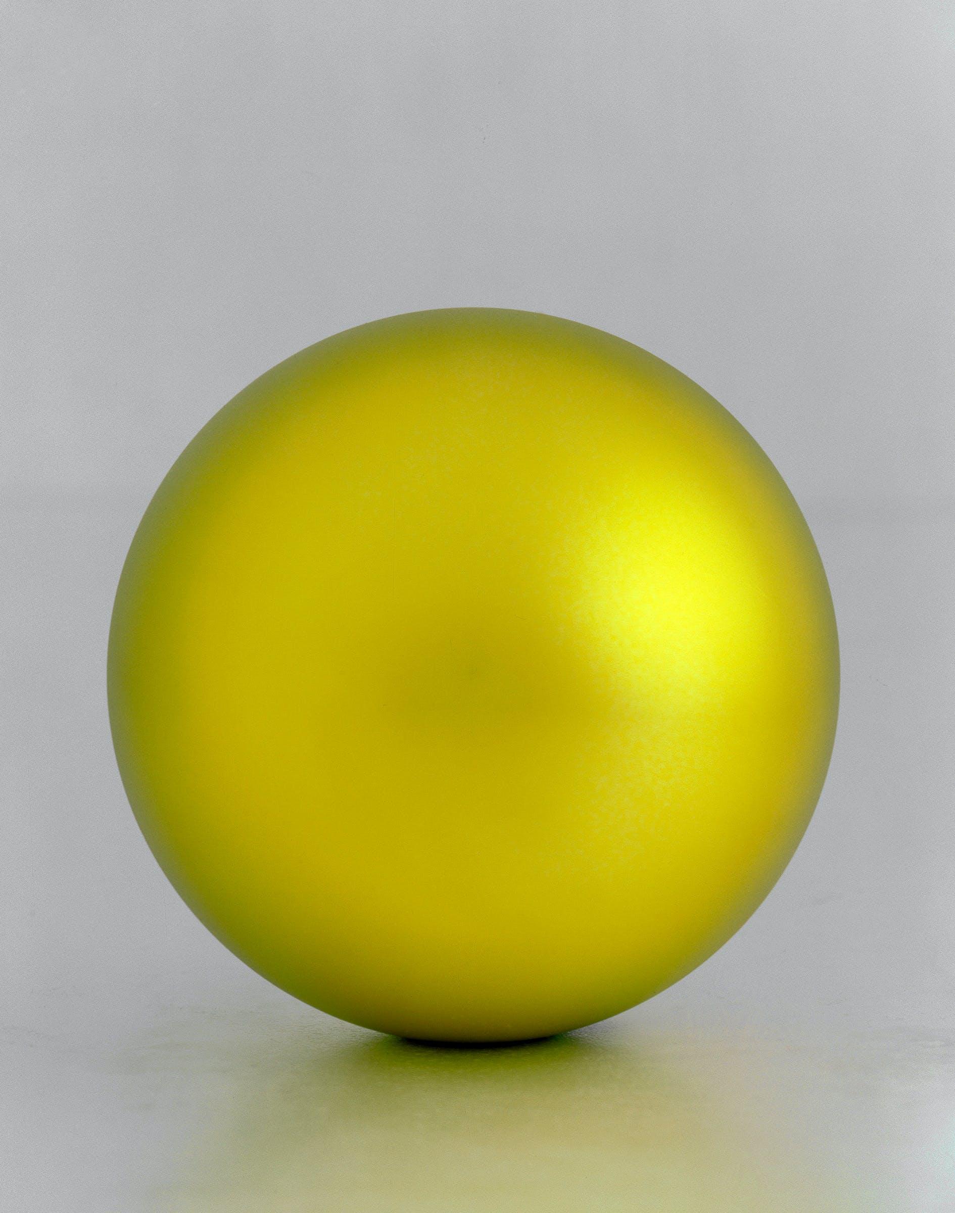 golden ball sculpture image Katharina Fritsch